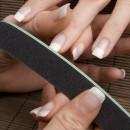 Nagelfeile mit Fingernägel